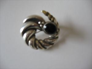 sterling-pin-onyx